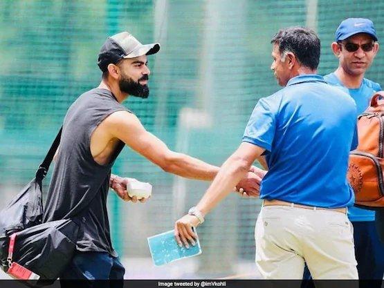 Virat Kohli shares picture with Rahul Dravid, Twitter goes gaga https://sports.ndtv.com/india-vs-south-africa-2019/virat-kohli-shares-picture-with-rahul-dravid-twitter-goes-gaga-2104768…