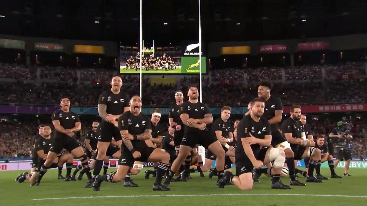 ニュージーランド代表 #ハカ 🇳🇿 カパ・オ・パンゴ 大音量でご覧ください🔊 #NZLvRSA #RWC2019 #RWC横浜