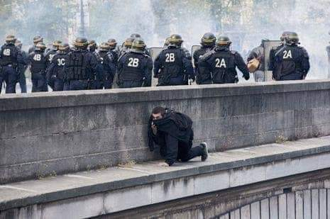 #France  #YellowVests  #GiletsJaunes  #GiletsJaune  #snp unionists for Empire<br>http://pic.twitter.com/mmzIzdMJ1n
