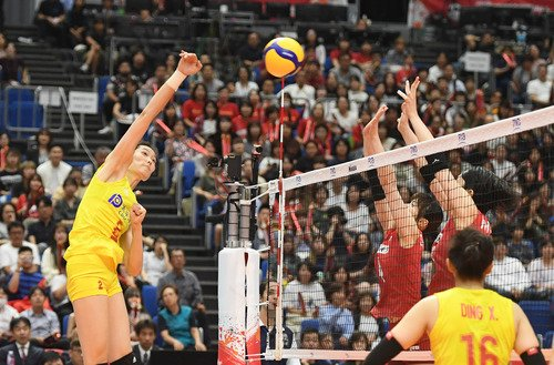 #China dominates Japan 3-0 for 5th consecutive win at #FIVBWWCup