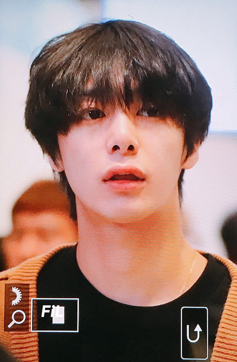 Hyungwon really had a hair cut after about 4 months of long hair era <br>http://pic.twitter.com/tjrr5LYuVQ