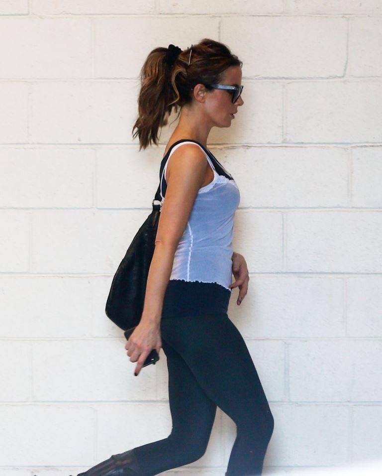 Kate beckinsale ( @KateBeckinsale ) off to the gym. Fit  #katebeckinsale <br>http://pic.twitter.com/T1CRmacOeJ