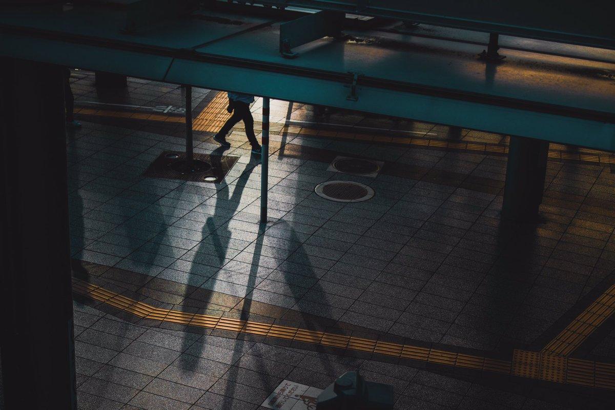 朝焼けが良いって言うから頑張って始発で大阪駅周辺に行ったらホンマに良かった。