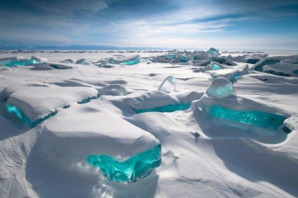高い透明度を誇る湖『バイカル湖』Place:ロシア