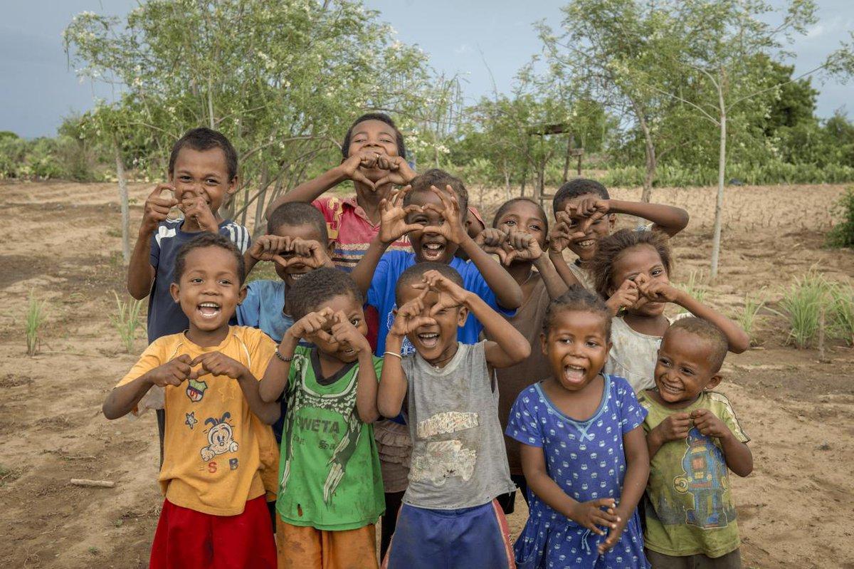 نعمل لنشر هذه البهجة 😄#مدغشقر
