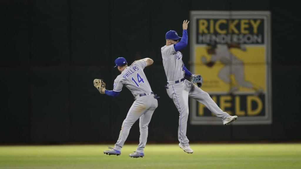 Bubba Starling and Brett Phillips deserve to be starting next Spring  http:// royalsreporter.com/2019/09/19/bub ba-starling-and-brett-phillips-deserve-to-be-starting-next-spring/   … <br>http://pic.twitter.com/1TMgwKhVhN