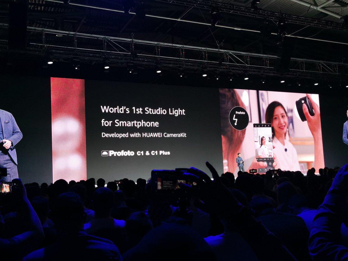 Lo mismo hacen con fotos de estudio. Esta luz es la primera diseñada para smartphones. #RethinkPossibilities #HuaweiMate30