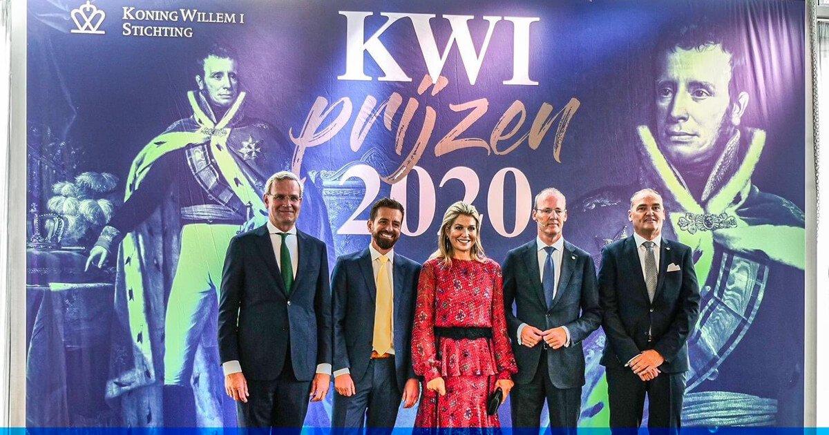 Hare Majesteit Koningin Máxima was gisteren aanwezig bij de derde Koning Willem I Lezing over ondernemerschap. We kijken met@DijkstraDraismaen de @kw1prijs terug op een mooie en inspirerende dag bij AFAS. ⬇️ https://t.co/zUcDFQxas4 https://t.co/8ETvfInJVo