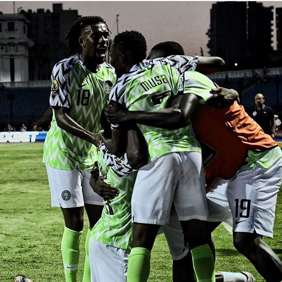 The Super Eagles of Nigeria dropped one spot on the FIFA World Ranking and are now number 34 after a 2-2 draw with Ukraine.   Nigeria remain 3rd in Africa behind Senegal and Tunisia.  #brilafm #brilasports<br>http://pic.twitter.com/nrEdkHovHo