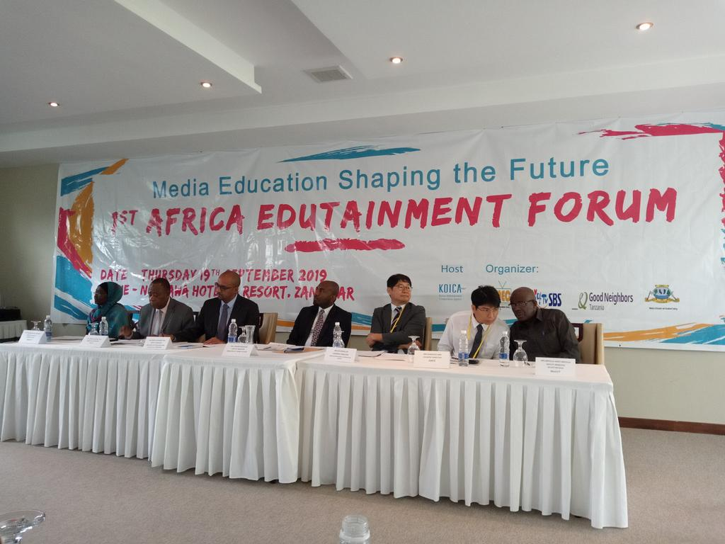 At the first Africa Edutainment Forum with @KKariisa earlier today in Zanzibar. Broadcasters and academics on shaping the narrative on our platforms to support the Education sector in developing good children and young adults content.