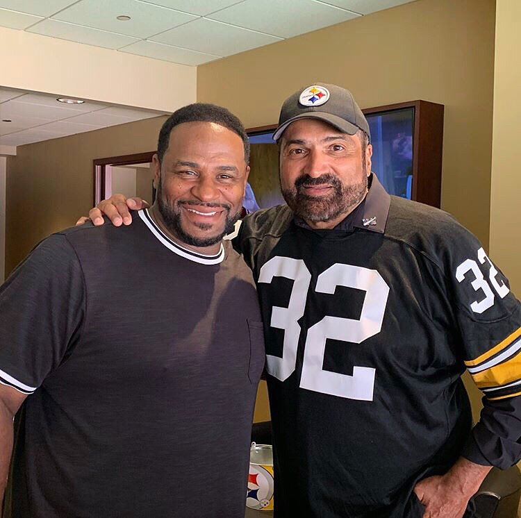 Thankful I got to spend time with the  this week in #Pittsburgh. @francoharrishof @steelers <br>http://pic.twitter.com/Ta19IdLzcH