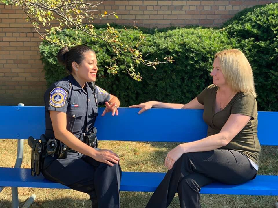 "🔵♻️SHARE ♻️🔵 📣IMPD needs your help! 🚔Officers want to build some ""Peace Benches"" ♻️Benches are made out of recycled plastic bottle caps 💙You can drop off plastic bottles caps at: IMPD East District HQ, 201 N. Shadeland (door 1) @IMPDnews 
