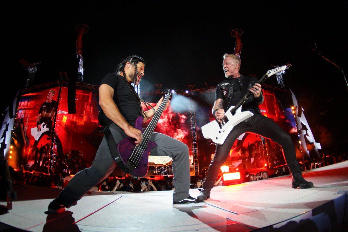 Rock Pop On Twitter Nombran A At Metallica La Banda De