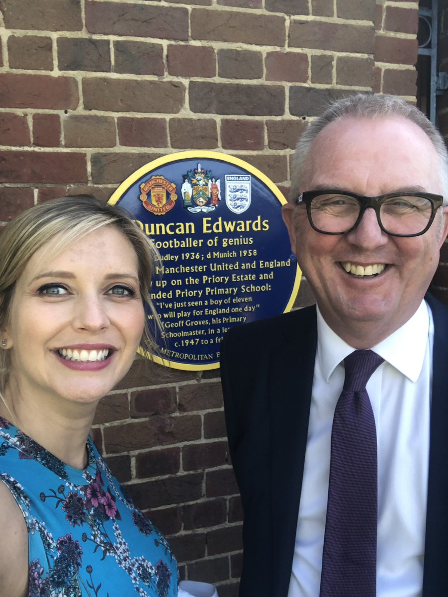 And thanks for the bonus Duncan Edwards tour of Dudley! My Dad will be jealous @IanAustinMP ☺️❤️ #busbybabes #mufc