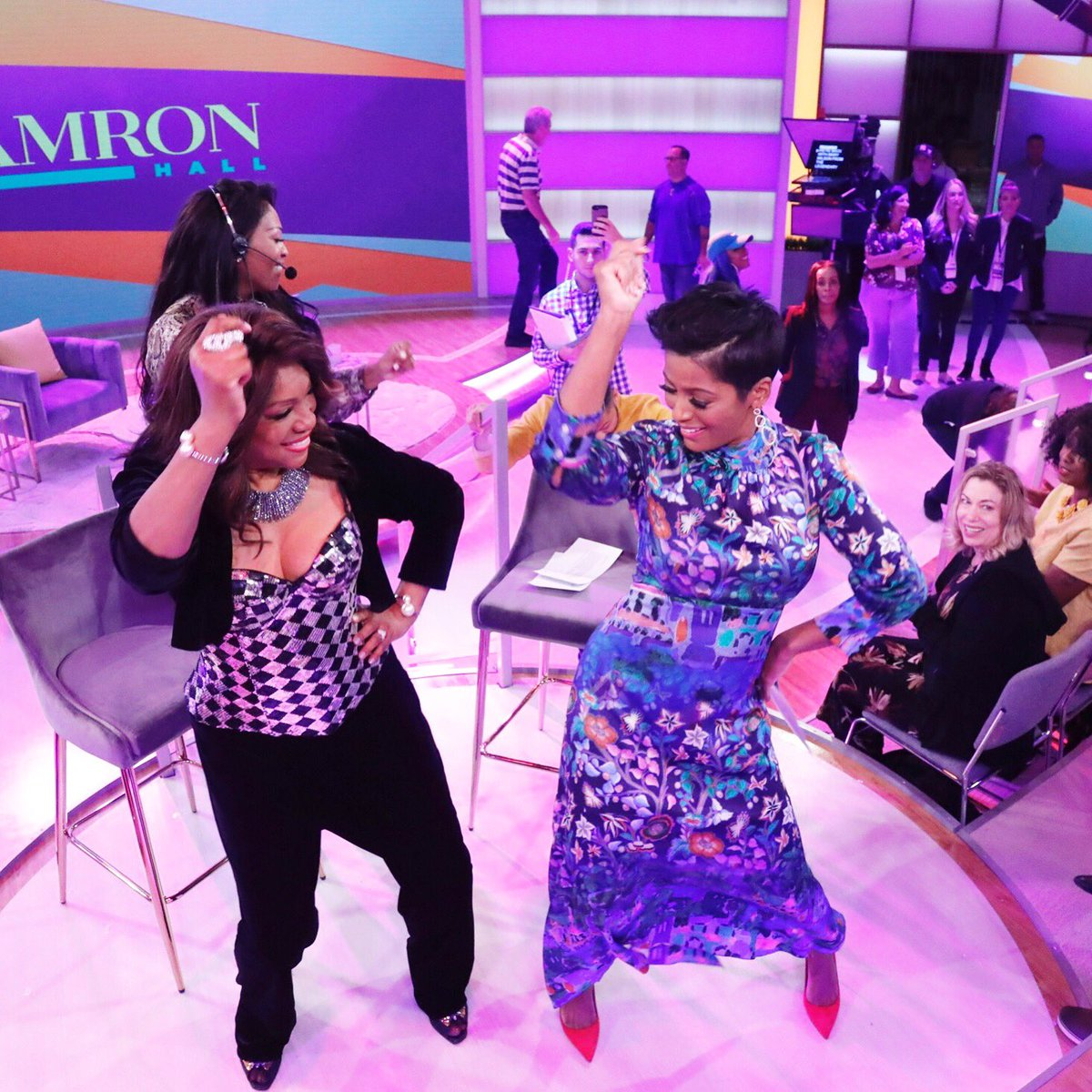 When the great @mwilsonsupreme Mary Wilson teaches you how to work it like a Supreme!! @tamronhallshow fun show!!!!