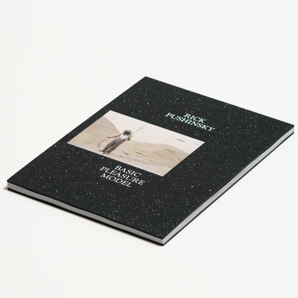New book by @RickPushinsky called Basic Pleasure Model using Sumo Black 3mm from @favini_en on the cover. Read more here... …mazingworldatfennerpaper.blogspot.com/2019/09/basic-…