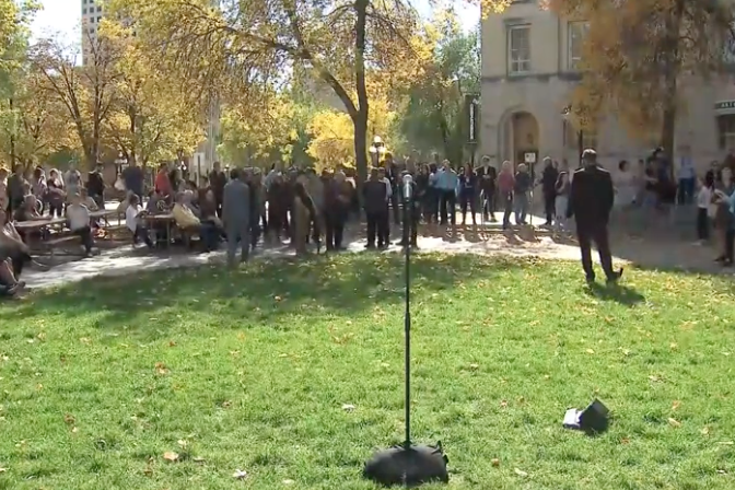 Waiting to watch this press conference where Trudeau is supposed address this new blackface video. He's late, but at least we get this nice view of fall leaves.