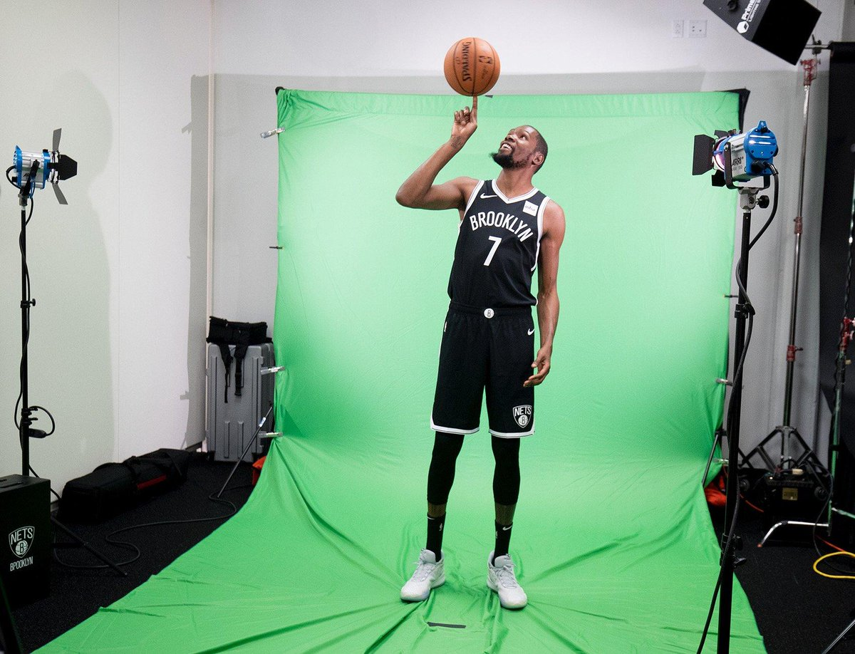 First look at Kevin Durant in Brooklyn threads 👀 (via @BrooklynNets)