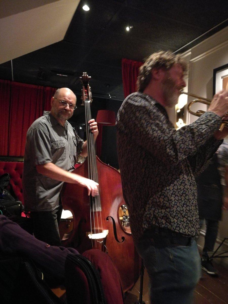 Aquest dijous la cita setmanal del jazz al Factor Vi serà per retre homenatge a Cannonball Adderley, amb un quintet 🔥 Adrià Claramunt Navarro 🥁 Xavi Plaza Pujol 🎷 @danposen 🎺 Pep Rius 🎻 @camilarcarazo 🎸 via #FACTORVI #Sitges – at La Incidencia del Factor Vi