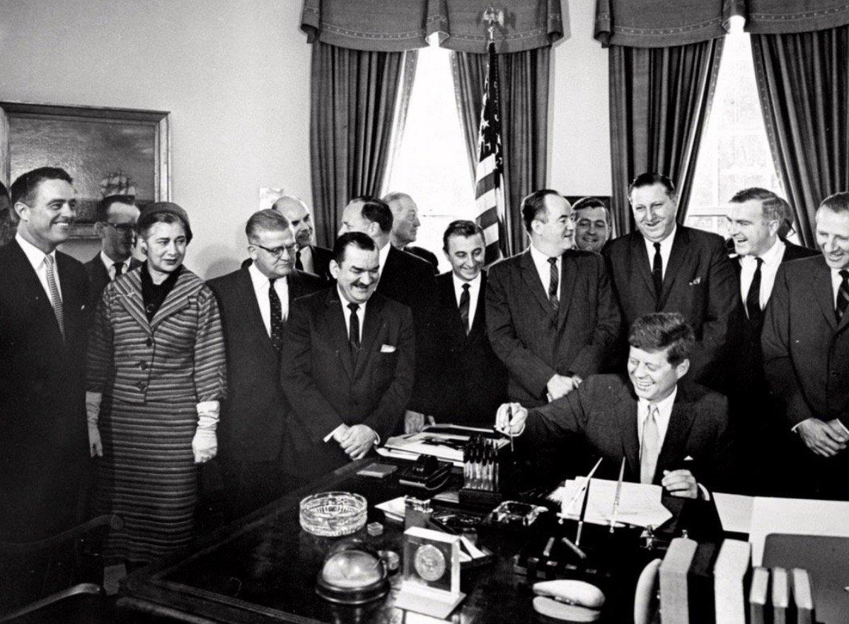JFK signs bill formally establishing Peace Corps, this week 1961:    #JFKL