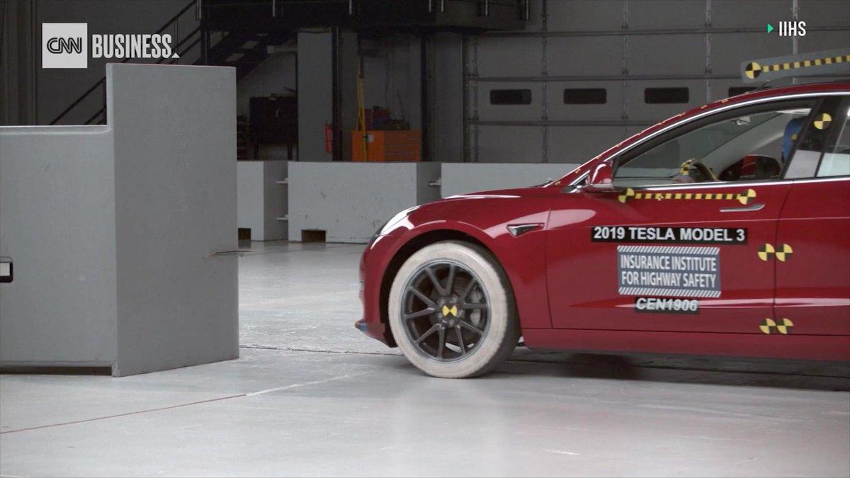 Image for the Tweet beginning: The Tesla Model 3 has