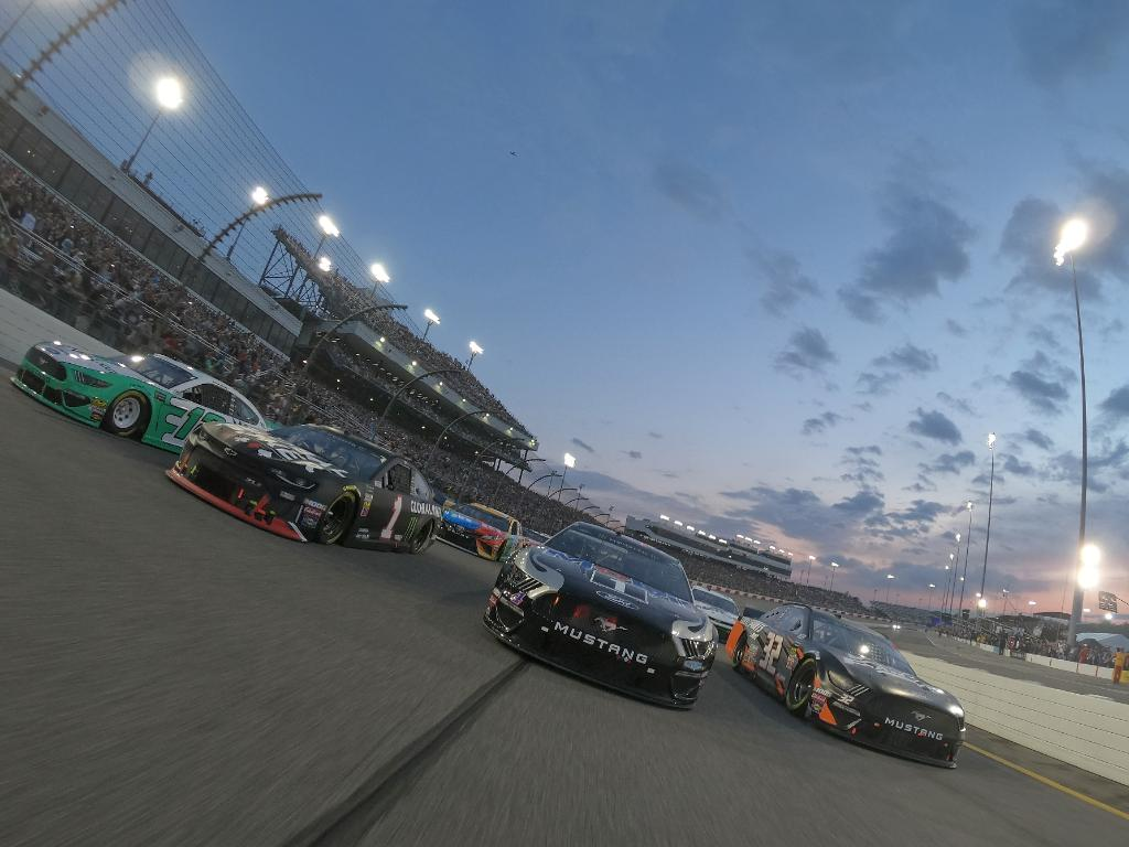 See you tomorrow, RVA.    #NASCARPlayoffs    @RichmondRaceway<br>http://pic.twitter.com/bBQ10PAv4f