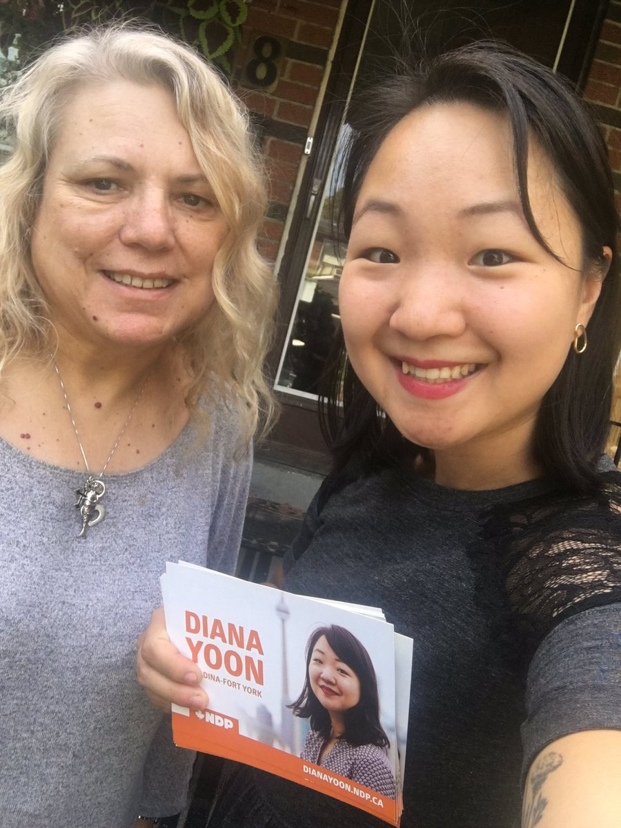 Cost should not be a barrier to our so-called universal healthcare system. Our NDP pharmacare and dental care plan puts people first — and it made us some friends while knocking on doors!   Join our #SpaFY team:  https://www. ndp.ca/volunteer?sour ce=2019_35101_VOL_EN  …   #canvassingcats  #elxn43 <br>http://pic.twitter.com/uQVkJeRISb