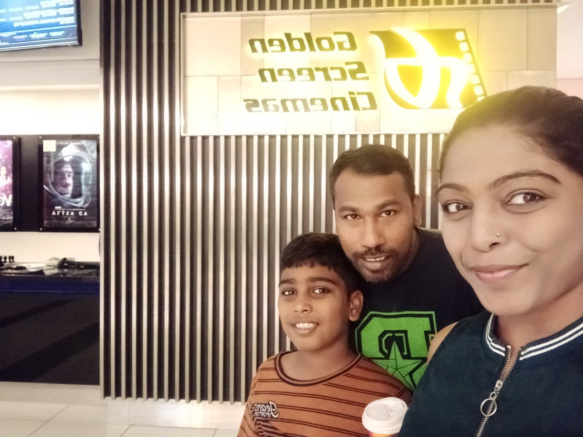 First day show #Kaappaan ! Hubby is a fan of @Suriya_offl & @anavenkat sir best wishes #Kaappaan team  <br>http://pic.twitter.com/qe3GwBXQWm – à Golden Screen Cinemas (GSC)