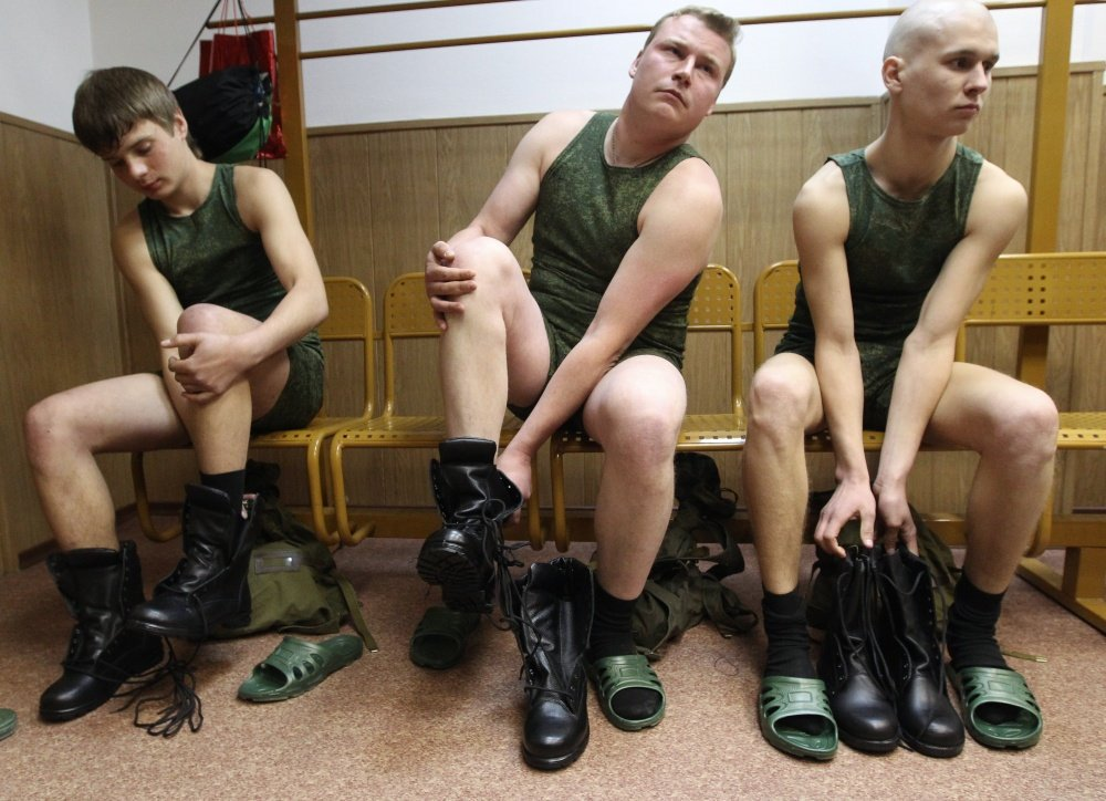 Онлайн солдаты сняли проститутку секс тюмень индивидуалки