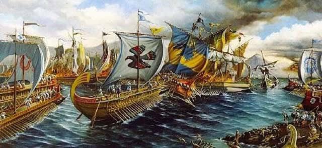 今日はサラミス海戦があった日です。  2倍以上のペルシャ海軍をギリシャ海軍が勝利した戦いです。  陸戦だったら2倍の兵力差に勝ったとかわかるのですが、遮蔽物のない海で2倍の兵力差を跳ね返すなんて考えられません。  日本の村上水軍の様に焙烙火矢のみたいな新兵器とかありそうです。