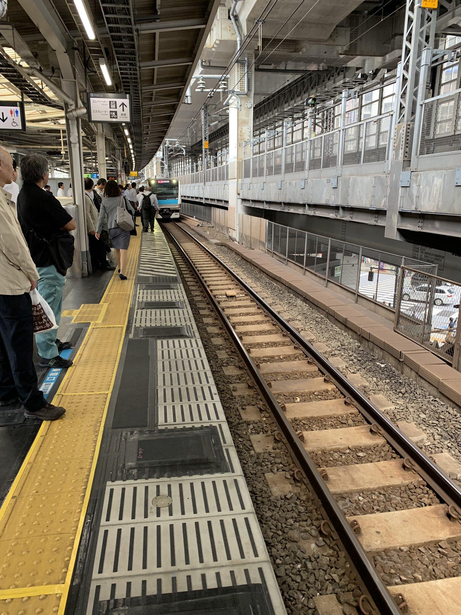 京浜東北線の神田駅で人身事故が起きた現場の画像