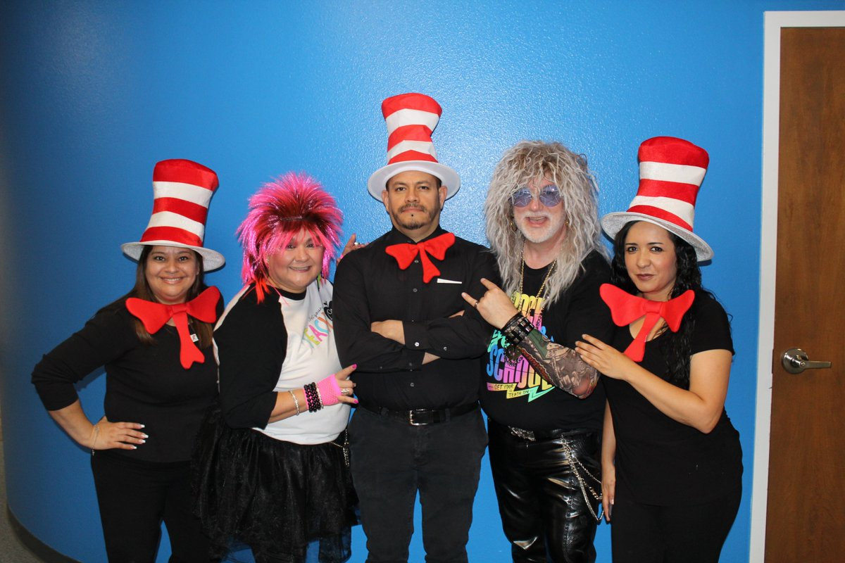 Four Grade is studying poetry.  What a great way to enjoy the beauty of Poetry by studying the expert, Dr. Seuss.  Students worked on writing rhyming or free verse.  #RockYourSchool #GetYourTeachOn #ReaganPatriots #WeAreCrane #OpenUpResources<br>http://pic.twitter.com/JgQzDUsvUm