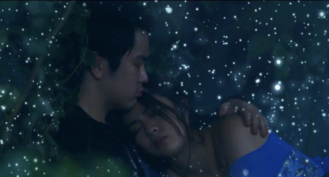 """Can you feel the love tonight? Emma's slowly falling for Elias. I think she prefers 'Lights-off' when displaying her affection on him. Kelangan lang pala nya ng """"Yakapsule"""" & the much-awaited (pero sobrang dinedelay), """"Kiss-perin""""! #TheKillerBrideConspiracy<br>http://pic.twitter.com/VQptZU8MJd"""