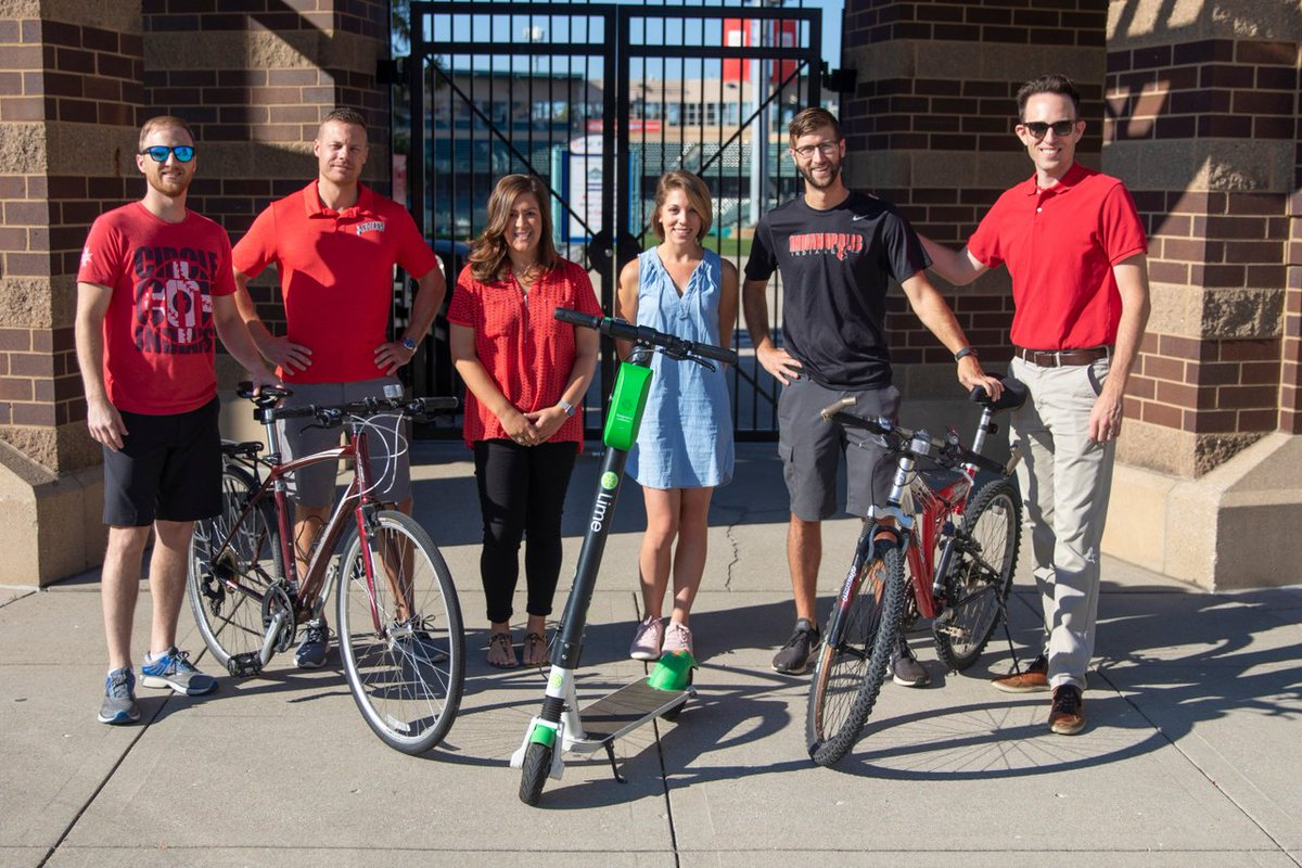 We are proud to go car free today with @CommuteIndy. Have you made the pledge? 🚫🚘: carfreedayindy.com/pledge/ #CarFreeDayIndy