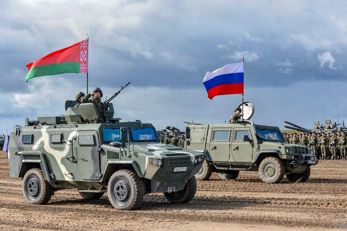 Лукашенко планирует закупить у России оружия на $1 млрд