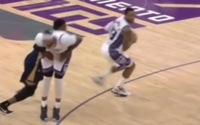 【影片】NBA的那些奇葩防守,一個比一個厲害,表弟被偷襲敏感部位!