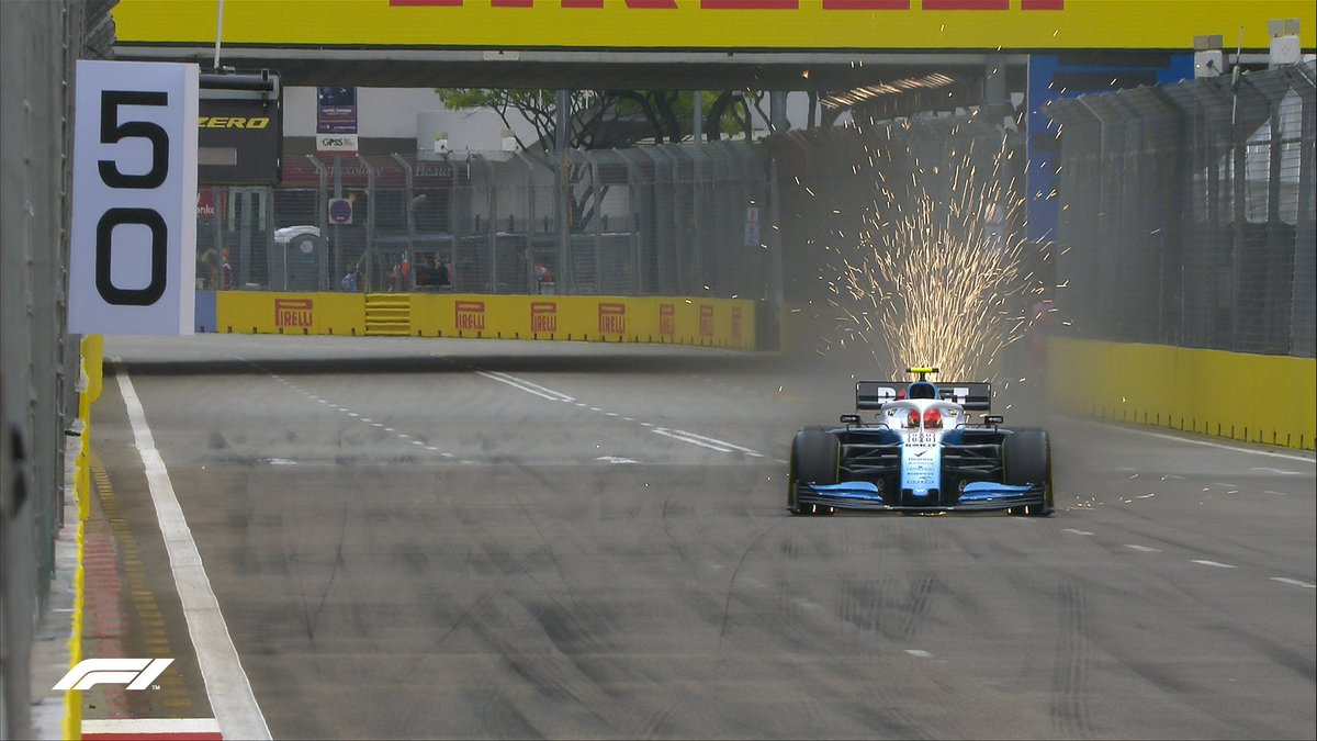 BREAKING: Daytime sparks are a thing 😍  #F1 #SingaporeGP