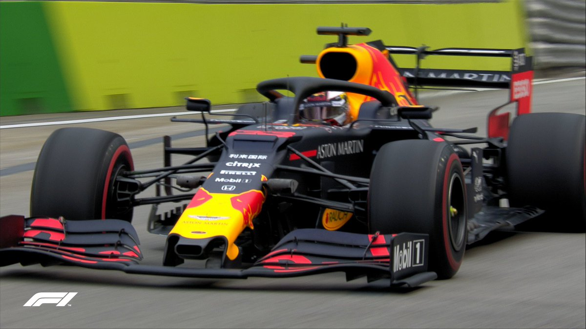 Max dips into the sub-1:42s  The 1:41.938 from the Dutchman puts him top of the pile  #F1 #SingaporeGP