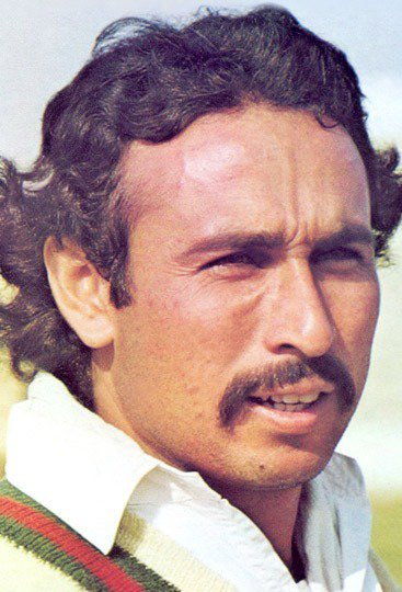 #OnThisDay in 1982,Jalal Uddin became first bowler to take hat trick in ODI history against Australia at Hyderabad, removed Rod Marsh, Bruce Yardley and Geoff Lawson.#PAKvAUS #Cricket #Pakistan #Karachi #Lahore #PCB #Jalaluddin #Legend
