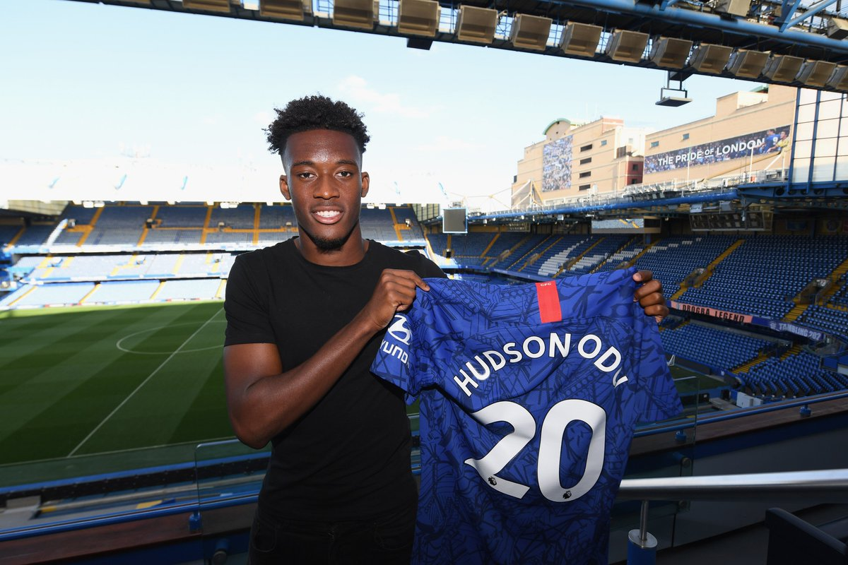 🔵 Callum Hudson-Odoi signs a new five-year deal at Chelsea. 👍#UCL