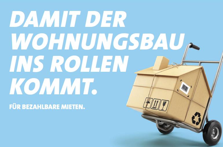 Boden in gehört in öffentliche Hand. Wir fordern ein soziales #Bodenrecht für Bayern! Unsere wohnungspolitische Sprecherin @NataschaKohnen   nennt dies unverzichtbar, um bezahlbaren #Wohnraum zu schaffen und auch Mieter*innen zu schützen #ZukunftbeginntvorOrt #Herbstklausur19pic.twitter.com/B5yzLLXbkt