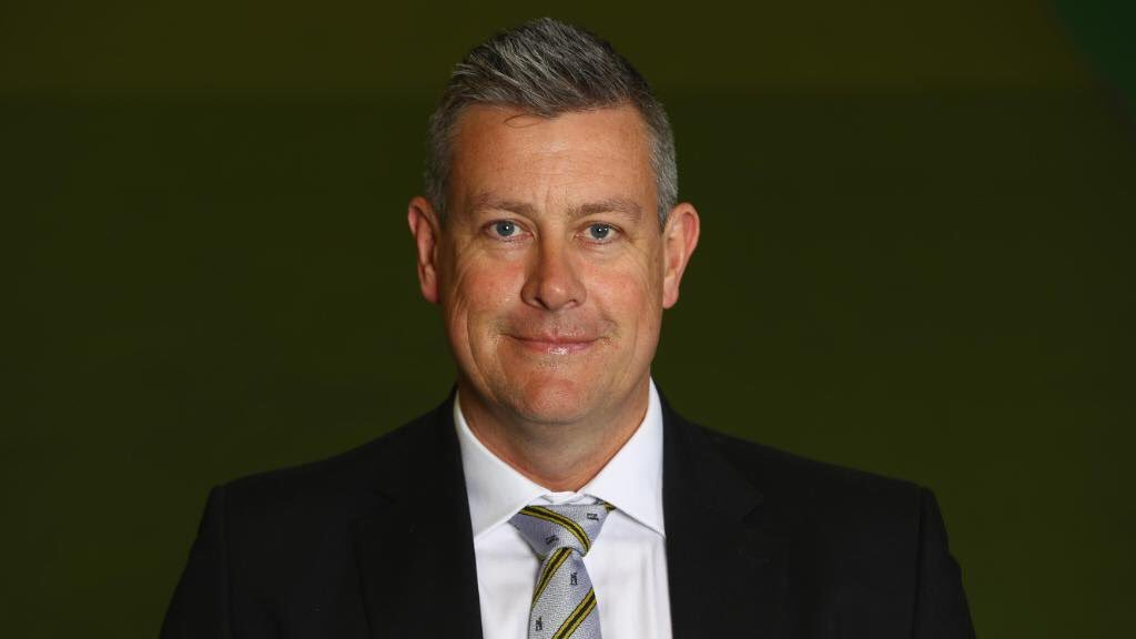"""Ashley Giles says he's looking for one coach to replace Trevor Bayliss and hopes to have a shortlist in next 10 days. """"it would be nice to have someone in place by the time the team leave for New Zealand"""". #bbccricket"""