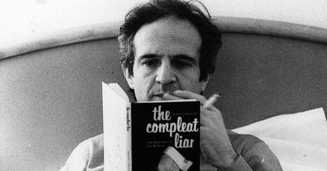 """Christophe Honoré : """"Truffaut réfléchit son cinéma depuis ses lectures. Il envisage le scénario comme un roman"""" https://www.franceculture.fr/emissions/les-chemins-de-la-philosophie/philosopher-avec-francois-truffaut-44-jules-jim-francois-et-christophe-honore?utm_medium=Social&utm_source=Twitter#Echobox=1568881415…"""