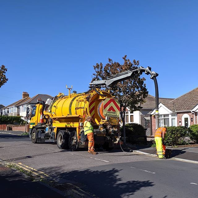 Great excitement in the curacy house today! The stinky drains are finally being sorted out  #1stWorldProblems #Weymouth  https:// ift.tt/30oxgZf    <br>http://pic.twitter.com/yEUIPs2P1Y