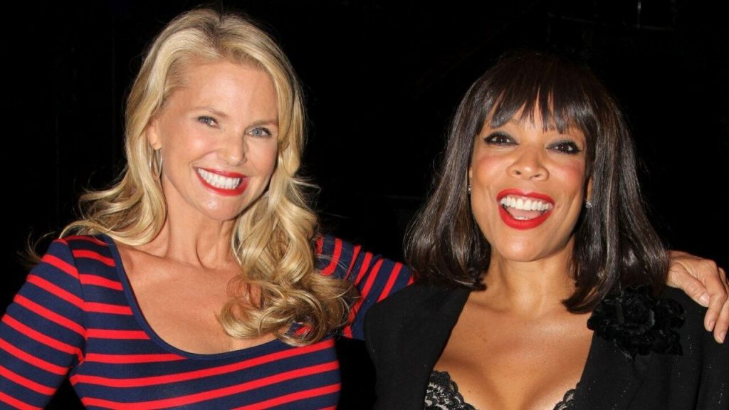 Watch Christie Brinkley Sound Off on Wendy Williams Claim That She Faked DWTS Injury - Top Tweets Photo