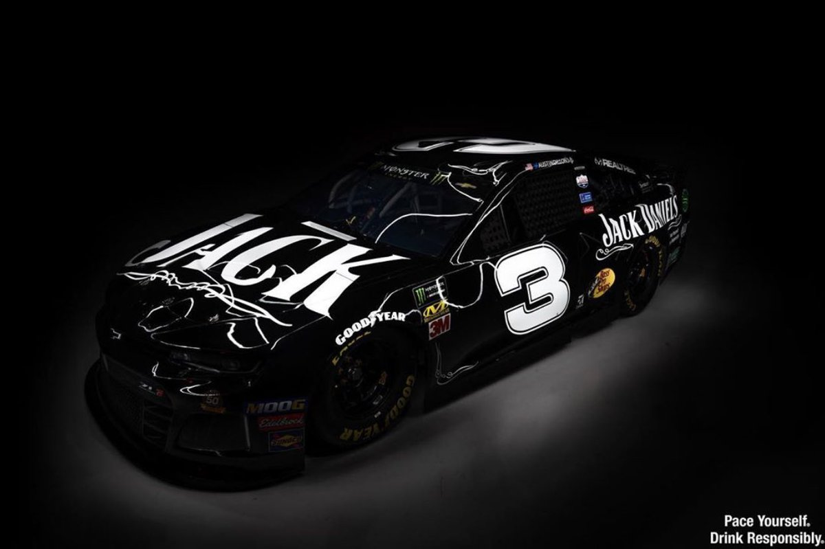 Retweet if you are ready to see @JackDaniels_US back on the track. 🥃