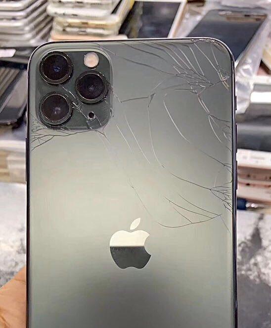 Thay kính sau Iphone 11 Pro Max zin công ty