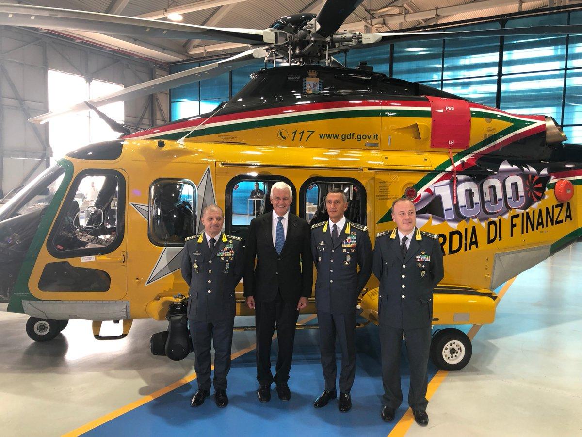🔴#PressRelease #Leonardo delivers its 1,000th #AW139 helicopter: sales champion to the world market lnrdo.co/2kr6Brt #SimplyNoRivals #Grazie1000