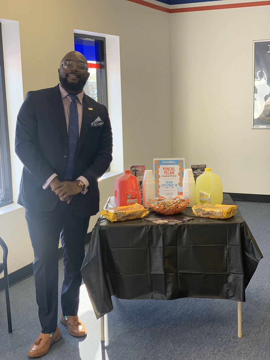 Everybody stop what you are doing and come by your friendly Garden City Titlemax for National Pecan Cookie and Punch day! Just a token of our appreciation! @GregoryLudwig10 @TMXCompanies #TMGC #mightymax