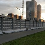 10.09.2019 - нашей организацией были проведены работы по зачистке поверхности от старой отслаивающейся краски и окраске в 2 слоя забора около жилого комплекса на Суздальском шоссе